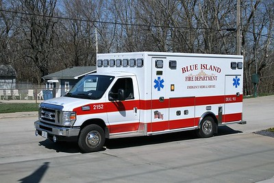 BLUE ISLAND AMBULANCE 2152  2015 FORD E450 - MEDIX