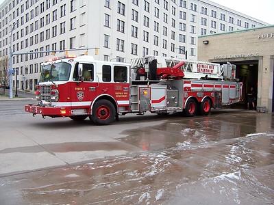 Buffalo NY - Ladder 5 - 2010 Spartan-Crimson 2000-0 93' Twr #210007-001 F-260 x Ladder 13