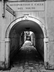 This way - Venice, Italy