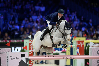 France, Villepinte : Daniel DEUSSER (GER) riding Cornet D'Amour during the Longines Masters of Paris 2017, on December 3 , 2017, in Villepinte, France - Photo Christophe Bricot