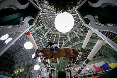 Paris, France : Kevin STAUT (FRA) riding AYADE DE SEPTON HDC during the Saut-Hermès in the Grand Palais, on March 17, 2018, in Paris, France - Photo Christophe Bricot