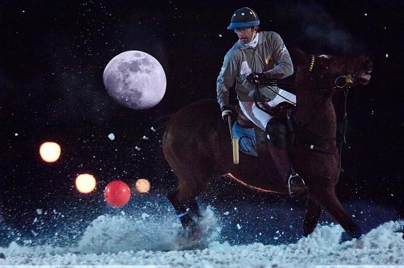 XIII MEGÈVE POLO MASTERS<br /> 17-20 JANVIER 2008<br /> <br /> Polo sur neige - Megève<br /> <br /> Matches qualificatifs de nuit.<br /> Jour 2<br /> <br /> © Christophe Bricot