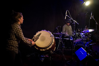 France, Paris : Jean Roch Waro - live -  at the New Morning with Clémence Perrin (Japanese drum - Taiko) , Stephen McCraven (drums), Icheme Zouggart (Elec Bass guitar), Jack Gregg (acc bass) - Paris, on April 18th , 2017, in Paris, France - Photo Christophe Bricot