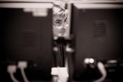 Reportage (archive) de 2000 à 2001 autour de la Gare du Nord à Paris, réalisé en argentique avec boitier  Nikon F801S, F100 et Leica M6 + 28mm. © Christophe Bricot