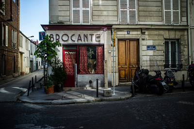 France, Paris :  Rue Constance - Butte Montmartre, Sacré Cœur    on May 20th , 2015, in Paris, France - Photo Christophe Bricot