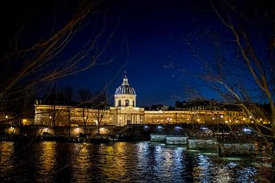 a walk along the Seine