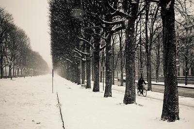 PARIS : BALADE DANS LES RUES DE PARIS SOUS LES AVERSES DE NEIGE - 12 MARS 2012 - PHOTO © CHRISTOPHE BRICOT