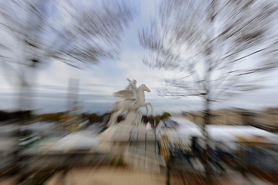 SUJET : LE CHEVAL À PARIS LA RENOMMÉE MONTÉE SUR PEGAZE - JARDIN DES TUILERIES - PLACE DE LA CONCORDE Paris, le cheval. Thème le cheval dans Paris, à Paris, actuellement ou anciennement. Sujet magazine sur le passé, le présent et le futur autour du thème cheval à Paris. © Christophe BRICOT
