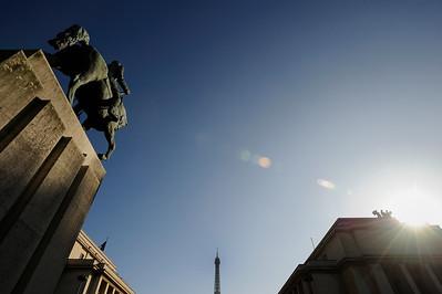SUJET : LE CHEVAL À PARIS STATUE DU MARECHAL FOCH - TROCADERO - 16E Paris, le cheval. Thème le chaval dans Paris, à Paris, actuellement ou anciennement. Sujet magazine sur le passé, le présent et le futur autour du thème cheval à Paris. © Christophe BRICOT