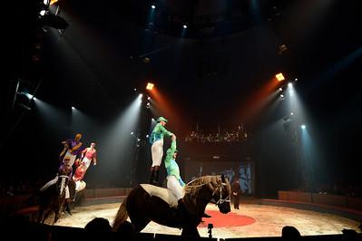 France, Bois de Boulogne : Silvia , nouveau spectacle au Cirque National Alexis Gruss - 40eme création - hommage à Silvia Monfort  - LES JOCKEYS : MAUD FLOREES, STEPHAN FIRMIN, ALEXANDRE GRUSS, CHARLES GRUSS, LOUIS GRUSS SUR SULKY, GEBOL ET PARADIS  - Photo Christophe Bricot