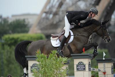 France, Paris : Frank SCHUTTERT (NED) riding CAROLINA, Le Figaro Scope, Paris Eiffel Jumping 2021, June 25th , 2021, in Paris, France - Photo Christophe Bricot