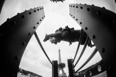 France, Paris : Simon DELESTRE (FRA) riding HERMES RYAN, Le Figaro Scope, Paris Eiffel Jumping 2021, June 25th , 2021, in Paris, France - Photo Christophe Bricot