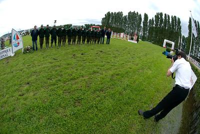 personnel de piste photographié par xavier boudon, photographe officiel du jumping de Deauville