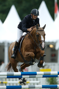 JUMPING NATIONAL DE FRANCONVILLE 2007.  ERIC NAVET SUR HYM D'ISIGNY  © CHRISTOPHE BRICOT