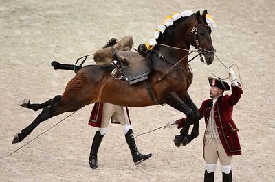 SPECTACLE : LES 4 ECOLES D'ART EQUESTRE - VIENNE, SAUMUR, JEREZ ET LISBONNE  - © CHRISTOPHE BRICOT -  - l'Ecole Espagnole d'Equitation de Vienne, - le Cadre Noir de Saumur,  - l'Ecole Royale Andalouse d'Art Equestre et  - l'Ecole Portugaise d'Art Equestre  Ces 3 représentations exceptionnelles réuniront 45 écuyers, menés par les 4 Ecuyers en Chef, 80 chevaux issus de chaque école (les Lipizzans, les Anglos Arabes, les Pures Races Espagnoles et les Lusitaniens Alter Real), des chevaux en liberté des Haras Nationaux, dans un cadre créé spécialement pour ces trois représentations.