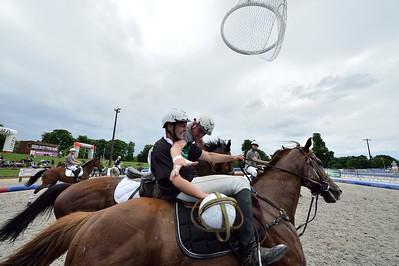 HORSEBALL : MATCH ENTRE LOT AVEYRON (FONCE) ET AUCHY LES MINES (GRIS) -  CHAMPIONNATS DE FRANCE HORSE BALL 2013 - HARAS DE JARDY, MARNE LA COQUETTE, France. (Photo Christophe Bricot)