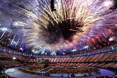 EQUITATION - FEU D'ARTIFICES LORS DE LA CEREMONIE D'OUVERTURE DES JEUX OLYMPIQUES DE LONDRES 2012 - OLYMPICS GAMES OPENING CEREMONY IN LONDON -  PHOTO : © CHRISTOPHE BRICOT / ZABULON/POOL CNOSF