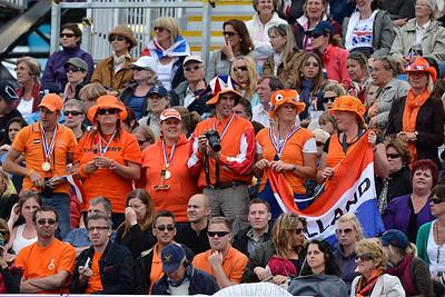 EQUITATION - SUPPORTERS HOLLANDAIS DRESSAGE - JEUX OLYMPIQUES DE LONDRES 2012 - OLYMPICS GAMES IN LONDON -  PHOTO : © CHRISTOPHE BRICOT