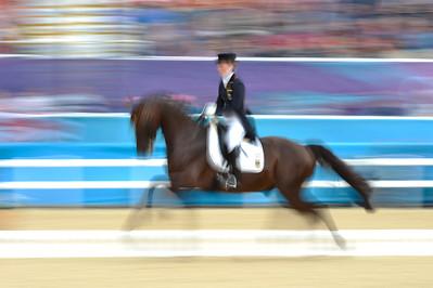 EQUITATION - LANGEHANENBERG HELEN SUR DAMON HILL DRESSAGE - JEUX OLYMPIQUES DE LONDRES 2012 - OLYMPICS GAMES IN LONDON -  PHOTO : © CHRISTOPHE BRICOT