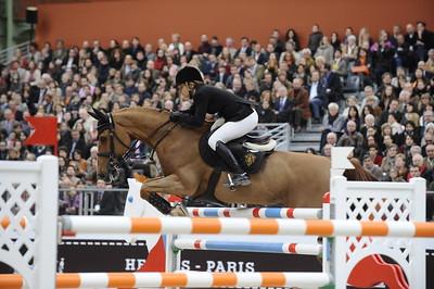 EDWINA ALEXANDER SUR CEVO ITOT DU CHATEAU JUMPING : GRAND_PRIX - SAUT HERMES 2012 AU GRAND PALAIS - PARIS - FRANCE - 16-18 MARS 2012 - PARIS - PHOTO : © CHRISTOPHE BRICOT