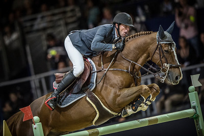 France, Lyon :  Kevin STAUT riding on Reveur de Hurtebise HDC  in action during the Longines FEI World Cup™ Grand Prix presented by GL Events in Lyon on November 2th, 2014 - Photo Christophe Bricot