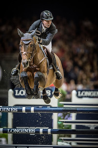 France, Lyon :  Patrice DELAVEAU (FRA) riding on Carinjo HDC  in action during the Longines FEI World Cup™ Grand Prix presented by GL Events in Lyon on November 2th, 2014 - Photo Christophe Bricot