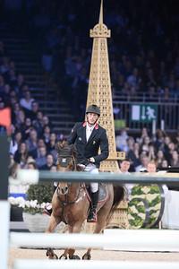 Kevin Staut sur Ayade de Septon et HDC lors de la Gucci Gold Cup du Longines Paris Masters,