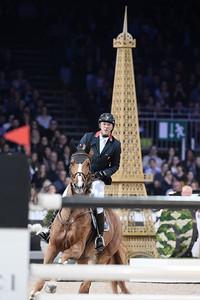 Patrice Delaveau sur Leontine Ledimar Z H D C lors de la Gucci Gold Cup du Longines Paris Masters,
