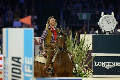 France, Villepinte : Pénélope Leprevost riding Balalaika  during the Pro-Am for Charity Presented by Hyatt, at the Longines Masters Paris, on December 4rd , 2016, in Villepinte, France - Photo Christophe Bricot