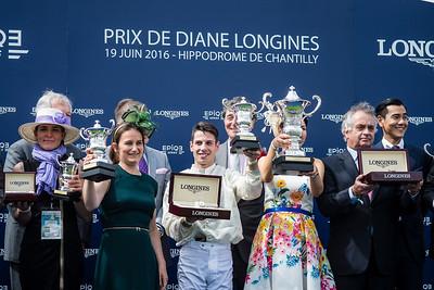 Édouard de Rothschild (Président de France Galop) et Juan-Carlos Capelli (vice-président de Longines) Cristian Demuro (La Cressonnière) vainqueur du167ème Prix de Diane Longines à l'hippodrome de Chantilly, le 19 Juin 2016, à Chantilly, France - Photo Christophe Bricot
