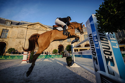 France, Versailles : Rodrigo PESSOA riding FERRO CHIN VH LINDENHOF during the Versailles Castle Show Jumping at the stables of the kings, on May 5th , 2017, in Versailles, France - Photo Christophe Bricot