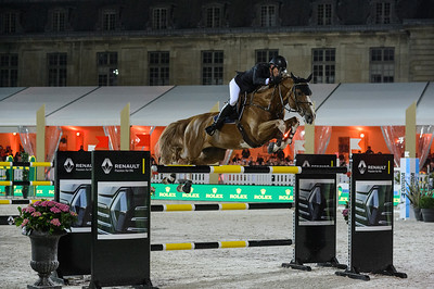 France, Versailles : Harrie SMOLDERS riding EMERALD N.O.P. during the Versailles Castle Show Jumping at the stables of the kings, on May 6th , 2017, in Versailles, France - Photo Christophe Bricot