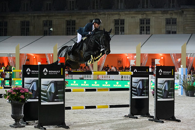 France, Versailles : Simon DELESTRE riding CHADINO during the Versailles Castle Show Jumping at the stables of the kings, on May 6th , 2017, in Versailles, France - Photo Christophe Bricot