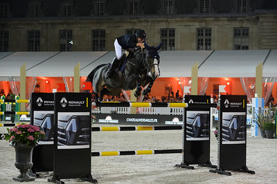 France, Versailles : Maikel VAN DER VLEUTEN riding VDL GROEP IDI UTOPIAduring the Versailles Castle Show Jumping at the stables of the kings, on May 6th , 2017, in Versailles, France - Photo Christophe Bricot
