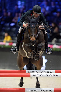 France, Villepinte : Leopold VAN ASTEN (NED) riding VDL GROEP MISS UNTOUCHABLE iss Untouchable during the Longines Masters of Paris 2017, on November 30 , 2017, in Villepinte, France - Photo Christophe Bricot