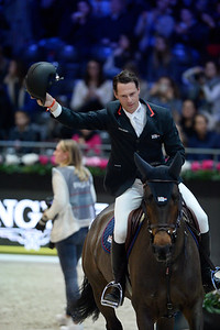 France, Villepinte : Leopold VAN ASTEN (NED) riding VDL Groep Miss Untouchable during the Longines Masters of Paris 2017, on December 2 , 2017, in Villepinte, France - Photo Christophe Bricot