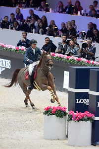France, Villepinte : Simon DELESTRE (FRA) riding Hermes Ryan during the Longines Masters of Paris 2017, on December 3 , 2017, in Villepinte, France - Photo Christophe Bricot