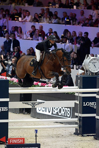 France, Villepinte : P?n?lope LEPREVOST (FRA) riding Vagabond de la Pomme during the Longines Masters of Paris 2017, on December 3 , 2017, in Villepinte, France - Photo Christophe Bricot