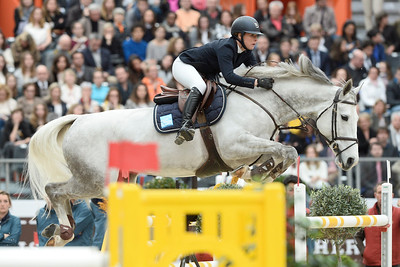 France, Paris : Juulia JYLÄS riding Courage T Z during the Saut-Hermès Jumping competition in the Grand-Palais, on March 18th , 2017, in Paris, France - Photo Christophe Bricot
