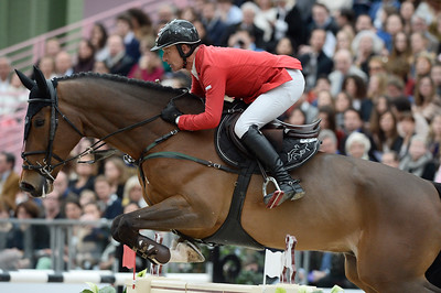 France, Paris : Pius SCHWIZER riding Leonard de la Ferme CH during the Saut-Hermès Jumping competition in the Grand-Palais, on March 18th , 2017, in Paris, France - Photo Christophe Bricot