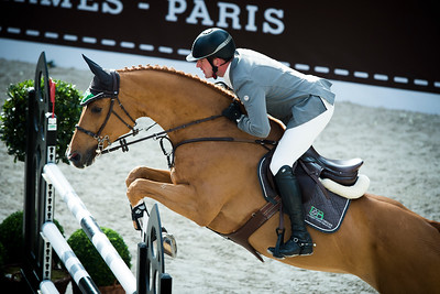 Paris, France : Philipp WEISHAUPT (GER) riding CHE FANTASTICA during the Saut-Hermès in the Grand Palais, on March 16, 2018, in Paris, France - Photo Christophe Bricot