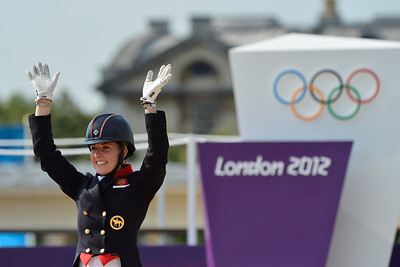EQUITATION - MEDAILLE D'OR ET CHAMPIONNE OLYMPIQUE CHARLOTTE DUJARDIN (VALEGRO) FINALE INDIVIDUELLE - DRESSAGE - JEUX OLYMPIQUES DE LONDRES 2012 - OLYMPICS GAMES IN LONDON -  PHOTO : © CHRISTOPHE BRICOT