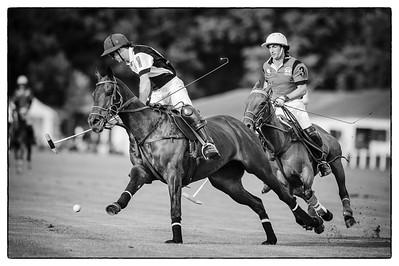 """The Perfect Polo Match"" - Polo de Paris - Bagatelle Les meilleurs joueurs de polo du monde. Equipe PATRICIOS (bleu) / GRANADEROS (RED) - - -  © Christophe Bricot  Composition équipe : PATRICIOS : N°1 Augustin MERLOS N°2 : Juan Martin NERO N°3 : Mariano AGUERRE N°4 : Marcos HEGUY Sup : Gonzalo PIERES  GRANADEROS : N°1 : Facundo PIERES N°2 : Pablo MAC DONOUGH N°3 : Miguel NOVILLO ASTRADA N°4 : Bartolome castagnola Sub : Lucas MONTEVERDE _______________ © Christophe Bricot"