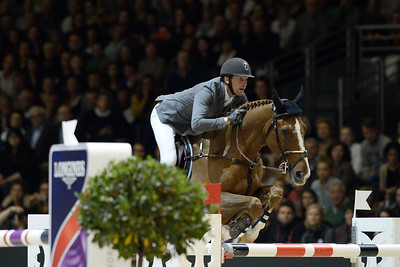 France, Chassieu : Kevin STAUT riding Reveur de Hurtebise HDC during the Grand Prix Longines FEI world Cup™ presented by GL Events on October 30th , 2016, in Chassieu, France - Photo Christophe Bricot