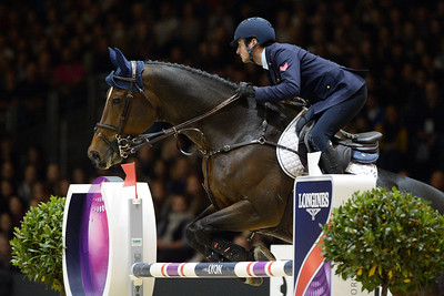 France, Chassieu : Lorenzo DE LUCA riding Ensor de Litrange LXII during the Grand Prix Longines FEI world Cup™ presented by GL Events on October 30th , 2016, in Chassieu, France - Photo Christophe Bricot