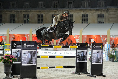 France, Versailles : Alberto ZORZI riding RACKHAM'JO during the Versailles Castle Show Jumping at the stables of the kings, on May 6th , 2017, in Versailles, France - Photo Christophe Bricot