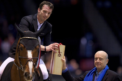 France, Bordeaux : Harrie SMOLDERS (NED) riding EMERALD NOP with Mr JUPPÉ during the Land Rover Grand Prix - International Show Jumping of Bordeaux, on February 4, 2018, in Bordeaux, France - Photo Christophe Bricot