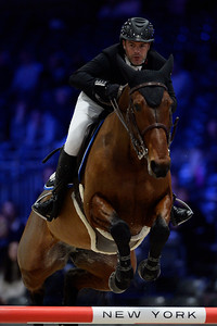 France, Villepinte : Grégory COTTARD (FRA) riding REGATE D'AURE during the Longines Masters of Paris 2017, on November 30 , 2017, in Villepinte, France - Photo Christophe Bricot