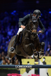 France, Villepinte : Leopold VAN ASTEN (NED) riding VDL Groep Zidane during the Longines Masters of Paris 2017, on December 1 , 2017, in Villepinte, France - Photo Christophe Bricot
