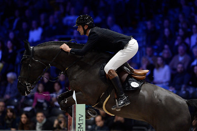 France, Villepinte : Nicolas DELMOTTE (FRA) riding Ilex VP during the Longines Masters of Paris 2017, on December 1 , 2017, in Villepinte, France - Photo Christophe Bricot